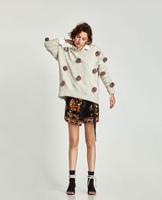 Image 1 of OVERSIZED POMPOMS SWEATER from Zara Jersey Oversize, Pom Pom Sweater, Sweater Making, Zara Black, Wool Sweaters, Dress Me Up, Diy Clothes, Knitwear, Winter Fashion