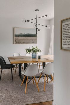 Summer home tour full of family friendly furniture and decor with a cozy modern style Dining Room Inspiration, Home Decor Inspiration, Decorating Your Home, Summer Decorating, Decorating Ideas, Modern Kids Bedroom, Blogger Home, Living Room Arrangements, Home Decor Hacks