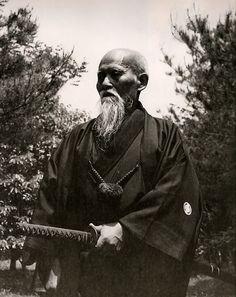 SENSEI MORIHEI UESHIBA....1883..1969..PARTAGE OF MAHIR OZKAN ON FACEBOOK...