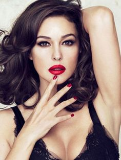 Beauty Inspiration: Monica Bellucci - Younger You | PRIMPED