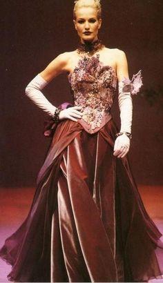 Karen Mulder, Christain Lacriox. 1998