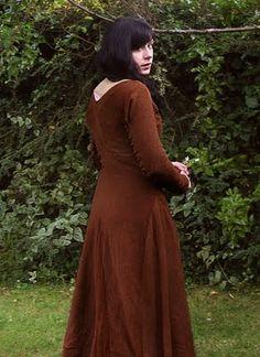 Moy Bog Gown, 14th c