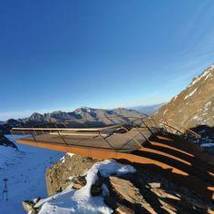 Mountain peak lookout
