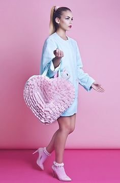 I need this dusty pink love heart bag x