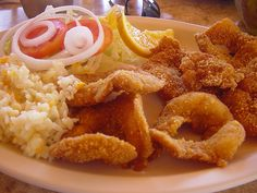 camarones empanisados o migados Soul Food, Shrimp, French Toast, Yummy Food, Pasta, Fish, Meat, Chicken, Cooking
