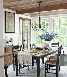 Dining Room Decorating Ideas - Discover home design ideas, furniture, browse photos and plan projects at HG Design Ideas - connecting homeowners with the latest trends in home design & remodeling Country Dining Rooms, Dining Room Table, Dining Area, Country Living, Country Decor, Rustic Decor, Rustic Table, Rustic Charm, Country Chic