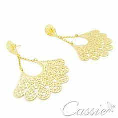 Brinco Leque Catena folheado a ouro com garantia. Confira os outros modelos www.cassie.com.br  ╔═══════════════════╗ #Cassie #semijoias #acessórios #moda #fashion #estilo #inspiração #tendências #trends #brincos #Anel  #pulseirismo #folheado #dourado #brincoleve #colar #pulseiras #zirconia #berloques #charms # # #