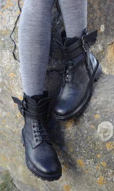 Otto boots - Plümo Ltd