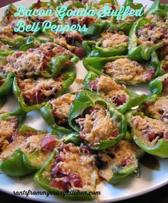 Bacon Gouda Stuffed Bell Peppers #BaconMonth #putsomepiginit