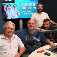 Formación de los Sospechosos de Siempre en viernes: Edgardo Marín @esnaolaseba @leoburgueno y @pelotazen. #cooperativa #instachile #instalike #chile