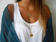 Boho Chic Layered Necklace  Triple Layered Gold por annikabella