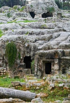 Ancient towns of Sicily | Travellers tour old town of Syracuse in Sicily, Italy - Xinhua ...