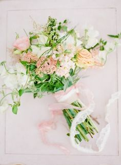 Feminine bouquet: http://www.stylemepretty.com/tennessee-weddings/2014/10/21/enchanted-southern-summer-wedding-inspiration/ | Photography: Ashley Upchurch - http://ashleyupchurchphotography.com/