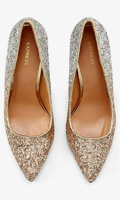 Glitter Pumps? yes, please! http://www.theperfectpalette.com/2015/11/500-gift-ideas-for-ladies-in-your-life.html