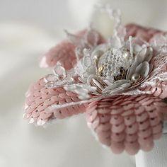#unique #swarovski #flowers #luneville