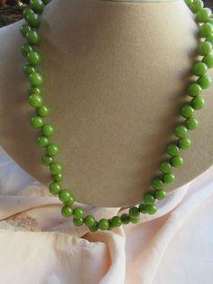 Vintage Deco 30s 40s Green Bakalite Necklace