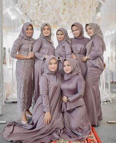 Muslimah Wedding Dress, Hijab Style Dress, Muslim Wedding Dresses, Wedding Hijab, Simple Bridesmaid Dresses, Bridesmaids, Simple Hijab, Kebaya Dress, Kebaya Muslim