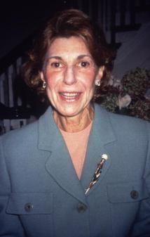 10 mujeres artistas que han hecho historia: Helen Frankenthaler, 1928 – 2011