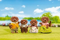 Meet the Calico Critters Chocolate Lab Family. Calico Critters Chocolate Lab Family from International Playthings. Top Christmas Toys, Sleepover Party Games, Dolls House Figures, Doll Houses, Calico Critters Families, Baby Alive Dolls, Sylvanian Families, New Toys, Miniature Dolls