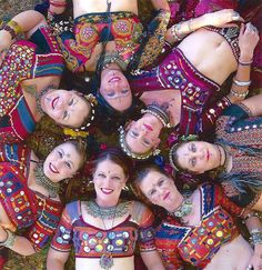 ❤️ ATS Danza Tribal, Tribal Belly Dance, Tribal Outfit, Tribal Costume, Tribal Fusion, Beautiful Athletes, Tribal Style, Belly Dance Costumes, Dance Fashion