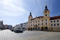 Town Hall in Písek from the century is currently the seat of the town's administration. Elevation of the Holy Cross monastery church Holy Cross, Beautiful Places In The World, Town Hall, Czech Republic, Old Town, 18th Century, Gate, Scenery, Southern