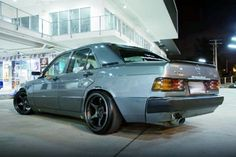 Embedded image Mercedes Benz World, Mercedes Benz 190e, Mercedes E Class, Classic Mercedes, Mercedes Benz Cars, Cls 63 Amg, Tuner Cars, Old Cars, Cars And Motorcycles