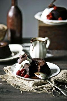 Pratos e Travessas: Bolos de chocolate e Baileys # Chocolate and Baileys cakes | Food, photography and stories