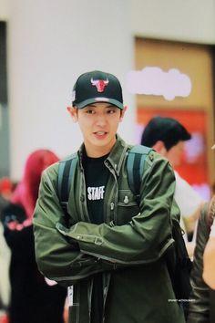 Chanyeol at incheon airport, korea heading to malaysia.