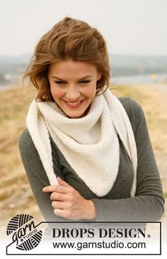 Simplicity is beautiful - and this #knit shawl decorates both the jumper and the winter jacket!