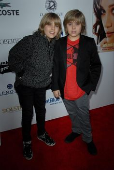 Sprouse Bros, Cole M Sprouse, Dylan Sprouse, Riverdale Archie, Riverdale Cast, Zack Et Cody, Famous Twins, Dylan And Cole, Dylan Thomas