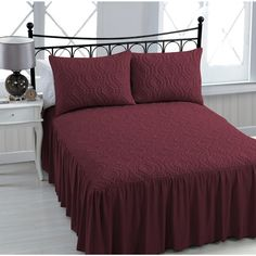 The elegant pattern and flowing sides provide delicate detail to this bedspread, creating a look that is both classic and modern. Made of a machine washable, polyester fabric, this bedspread set is ea