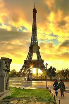 The Eiffel Tower, Paris, France Beautiful Paris, I Love Paris, Paris France, Francia Paris, Paris Torre Eiffel, France Eiffel Tower, Paris Tower, Paris Wallpaper, Paris Pictures