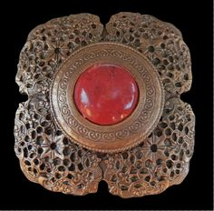 Bronze Colored Flower Red Center Stone Classy Belt Buckle Buckles #flowerbeltbuckle #flower #flowers #buckles #beltbuckles #coolbuckles