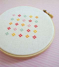 Cute and Colorful Flower. Cross Stitch PDF Pattern por andwabisabi