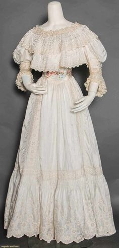 China Silk Tea Gown, 1890s