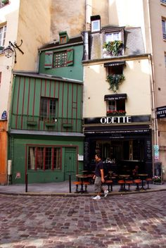 Pardon my French in Paris...: Odette