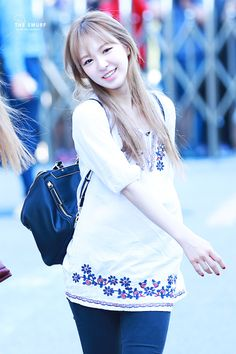 Seulgi, Park Sooyoung, Kpop Girl Groups, Kpop Girls, Wendy Red Velvet, Velvet Fashion, Girl Bands, Airport Style, Queen