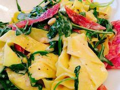 Pasta Salami e Ricotta con Rucola, ein gutes Rezept aus der Kategorie Gemüse. Bewertungen: 4. Durchschnitt: Ø 3,3.