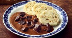 Kančí maso na šípkové omáčce Kančí maso na šípkové omáčce 4 porce - příprava: 80 minut * 70 g anglické slaniny * 2 cibule * 1 kg ...