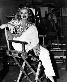 Lizabeth Scott on the set