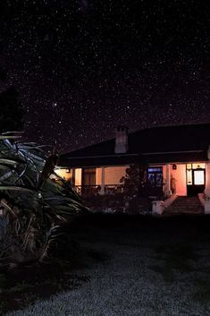 Accommodation comprises spacious units with 4 en-suite bedrooms furnished with antiques and historical paintings.  #historic #antique #stars #starrynight Planets Wallpaper, Game Lodge, Port Elizabeth, Bedroom With Ensuite, Double Room, Game Reserve, Swimming Pools, Cape, Bedrooms