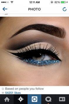 Eye Makeup Tips – How To Apply Eyeliner Gorgeous Makeup, Love Makeup, Simple Makeup, Makeup Inspo, Makeup Inspiration, Natural Makeup, Makeup Geek, Makeup Art, Belle Makeup