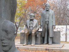 Berlin / Marx und Engels Forum