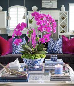 Accessories add personality and complete a room's design. Layer in color & bring your room to life with a fuchsia arrangement. Ibb Design, Orchid Centerpieces, Wedding Centerpieces, House Plants Decor, Chinoiserie Chic, Home Room Design, Decorating Coffee Tables, Eclectic Decor, White Decor