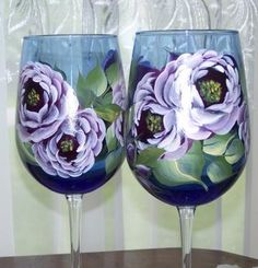 loving the hand painted roses