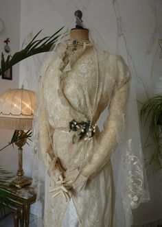Edwardian Wedding Gown with long train, ca. 1912