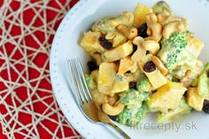 Fitness raňajky s vysokým obsahom bielkovín Fruit Salad, Tofu, Potato Salad, Mango, Potatoes, Vegan, Ethnic Recipes, Fitness, Manga