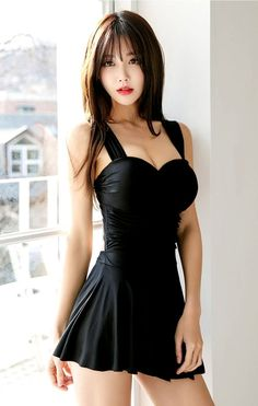 Asian Woman in black dress Pretty Asian, Beautiful Asian Women, Sexy Women, Asia Girl, Cute Asian Girls, Pretty Girls, Japanese Girl, Japanese Bikini, Asian Fashion