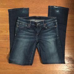 Joe's jeans Women's joes jeans. Boot cut size 28. Really cute on; some normal wear and tear Joe's Jeans Jeans Boot Cut