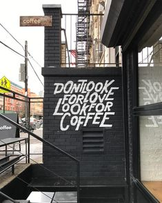 Checking out the @timothygoodman mural at @sweatshop_nyc this afternoon...I'm in love! . . #williamsburg #brooklyn #timothygoodman #coffee #nyc #type #typography #lettering #graphicdesign #cafe #art #design